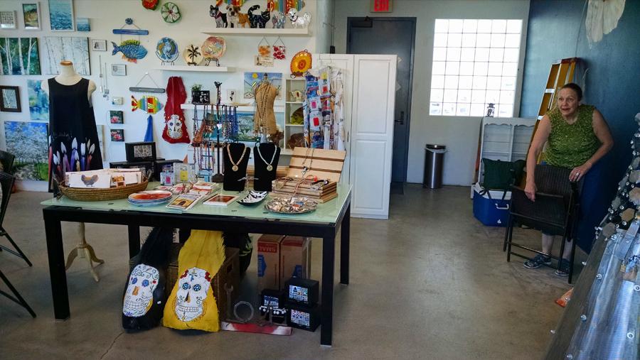 sm'Art studio co-op gallery